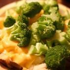 Broccoli cu cartofi la cuptor