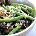 Ciuperci cu fasole verde la cuptor