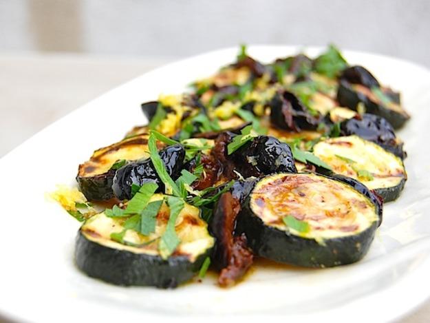 salata de dovlecei cu masline