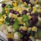 Salata combinata de fasole boabe si legume