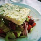 Salata greceasaca de castraveti si Feta