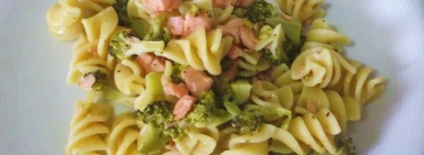 Paste cu somon si broccoli