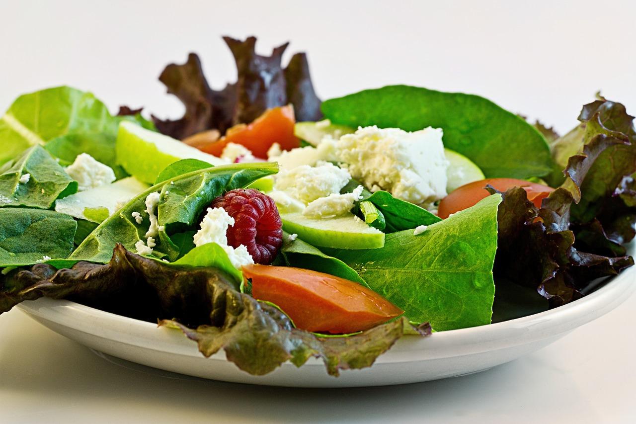 Ce să pui în salată ca să slăbești
