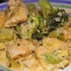 Broccoli cu piept de pui si ardei