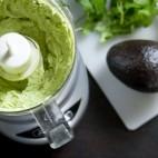 Sos de iaurt cu avocado
