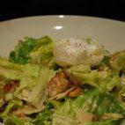 Salata Caesar cu sos