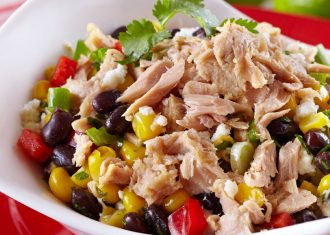 Salata cu fasole rosie si ton