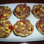 Mini tarte cu salata de ton