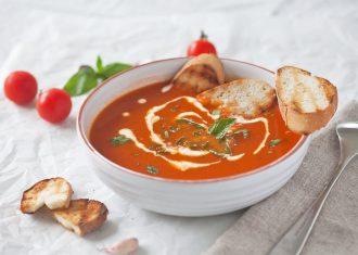 Supa de rosii cu usturoi