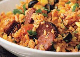 Orez spaniol cu carnati chorizo