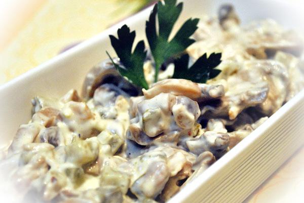 Salata de pui cu ciuperci