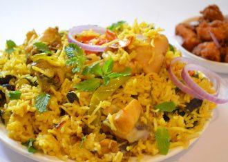 Salata indiana cu oui si orez