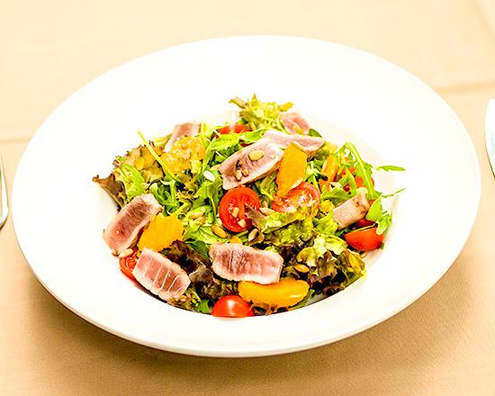 Salata cu ton la gratar
