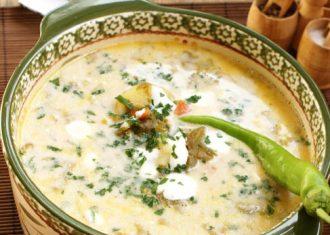 Supa de varza cu smantana, oua cartofi