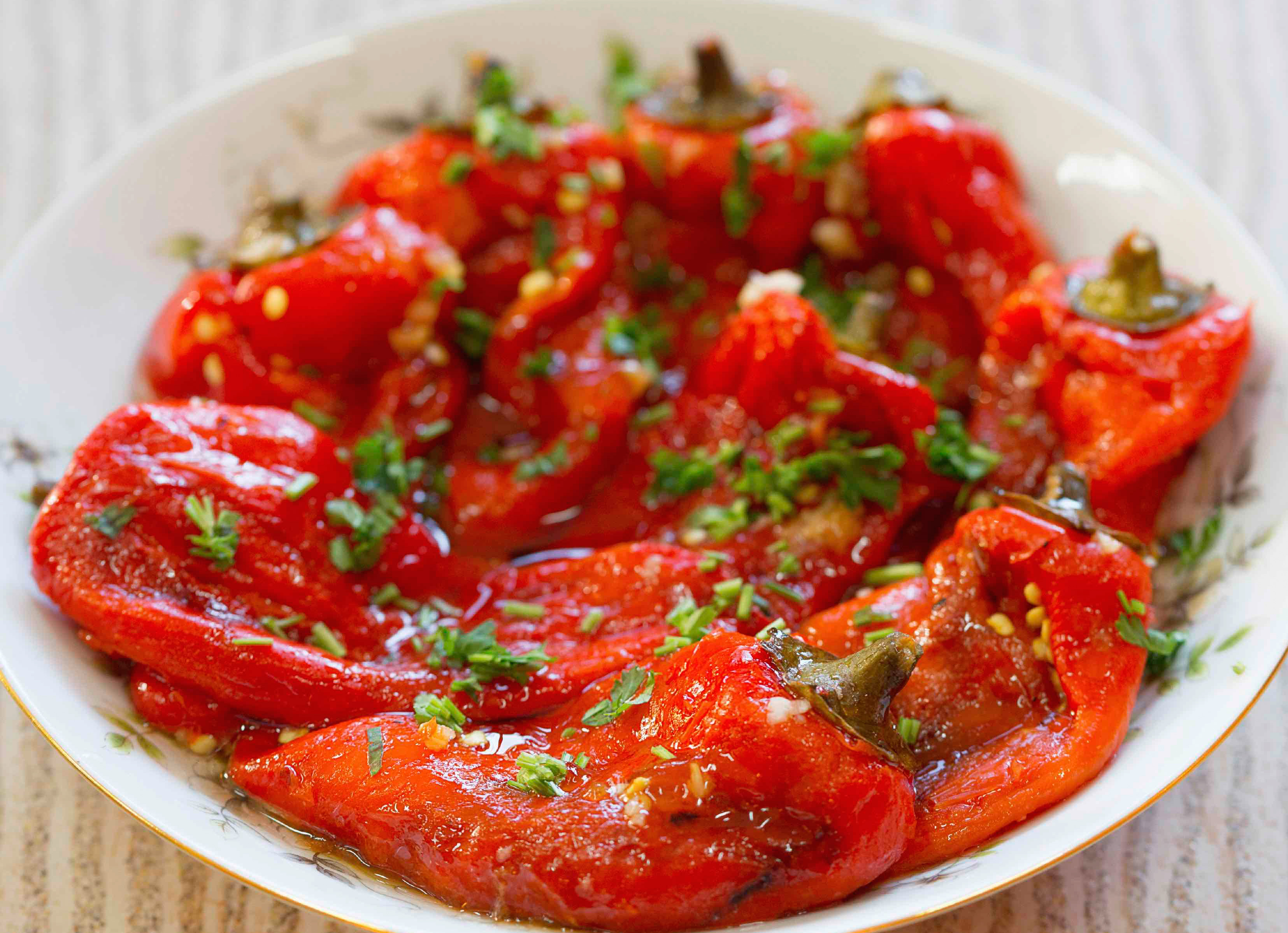 Salata de ardei grasi copti