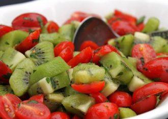 Salata de kiwi si rosii