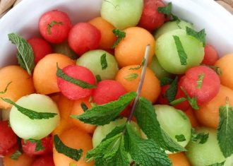Salata de pepene cu lichior de menta