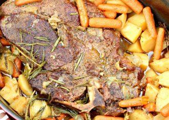Muschi de vita cu cartofi la cuptor