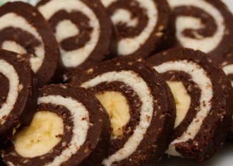Rulada de biscuiti cu banane