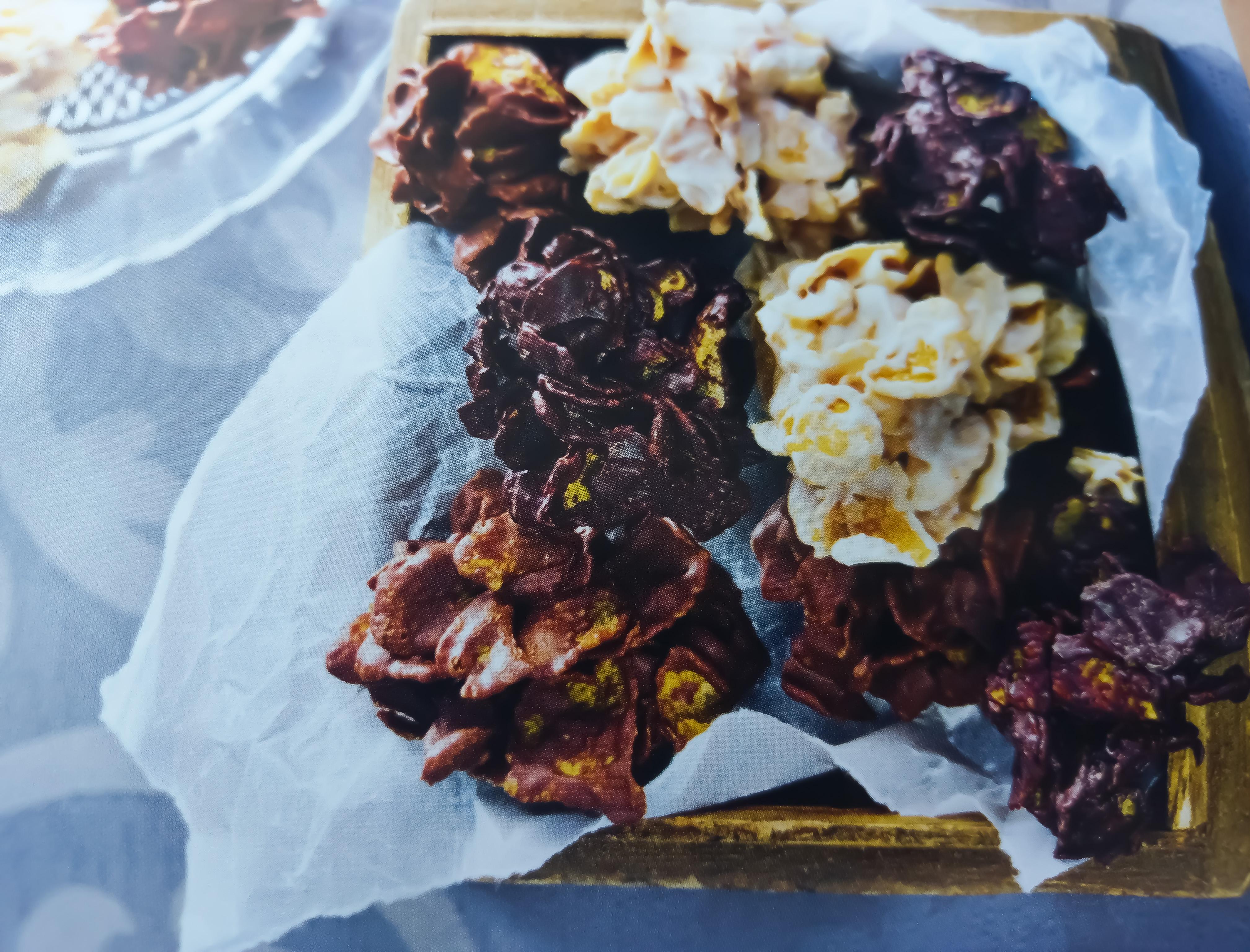 Biscuiti din fulgi de porumb si ciocolata