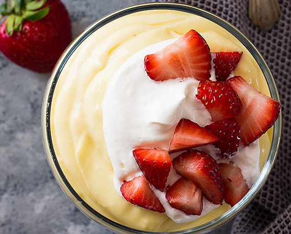 Budinca de vanilie cu fructe