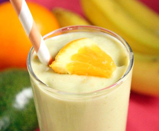 Milkshake cu mango si portocala