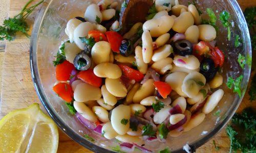 Salata de fasole cu masline