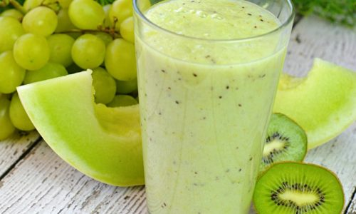 Smothie de struguri albi si kiwi
