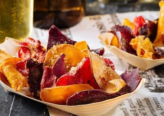 Chipsuri din fructe si legume la cuptor