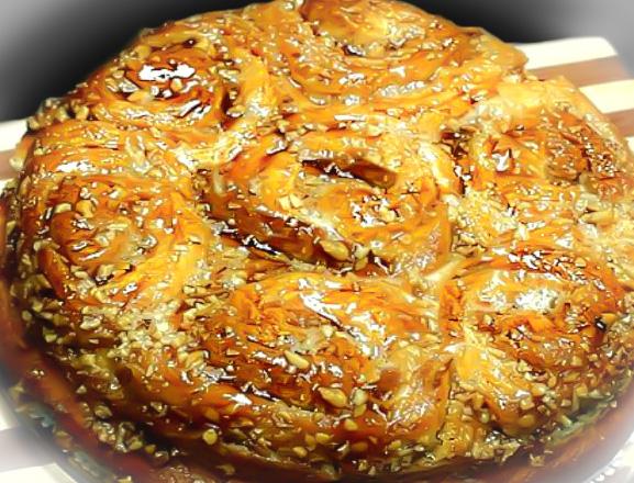 Cozonac-Rosenkrantz-cu-nuca-caramel