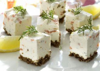 aperitiv Cubulete cu-branza-si-somon
