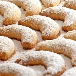 Biscuiti vanilati semiluna