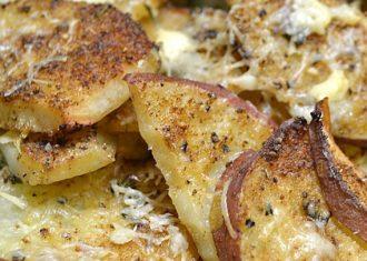 Cartofi cu parmezan usturoi si smantana