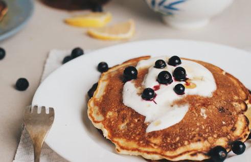 clatite cu gorgonzola pentru micul dejun