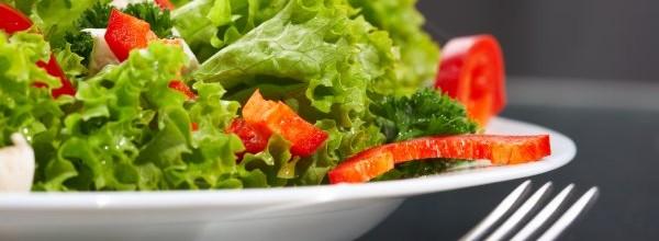 Salată din frunze de salată verde