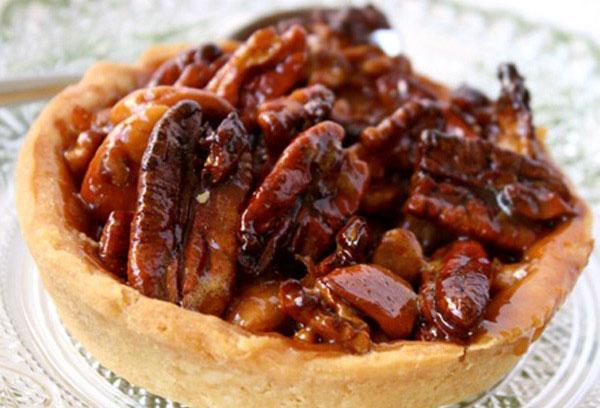 Tarta cu nuci pecan si miere