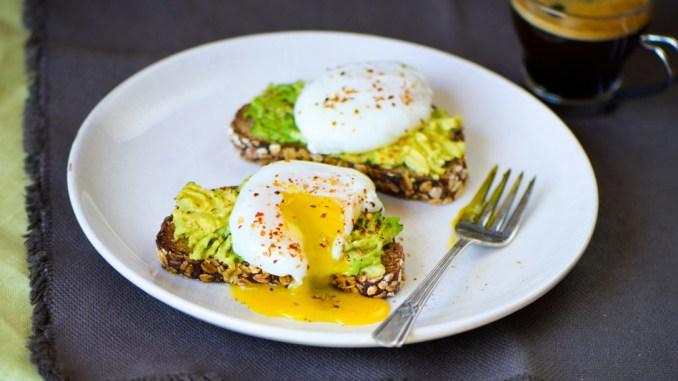Mic dejun sanatos. Pasta de avocado