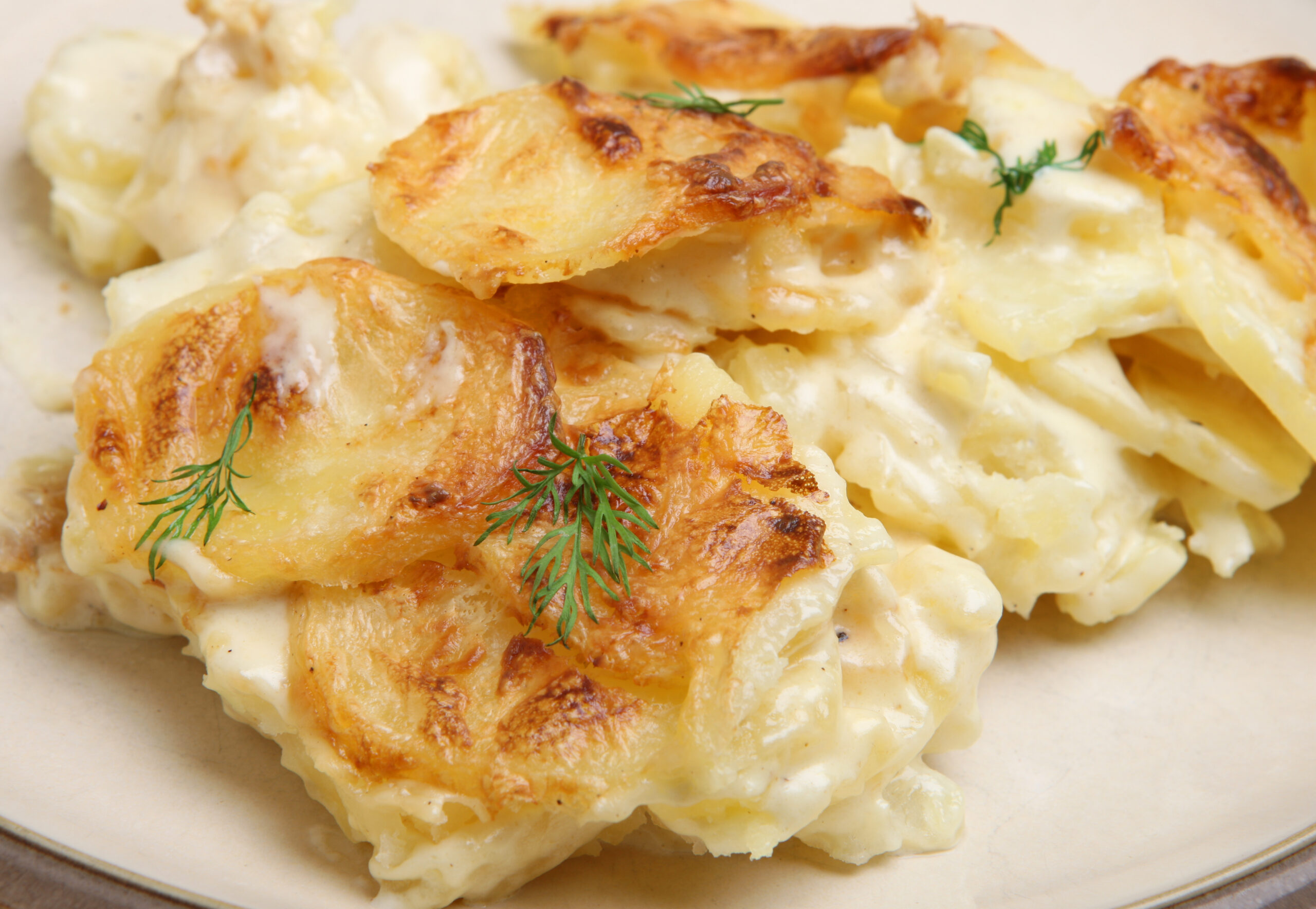 Cartofi cu smatana la cuptor