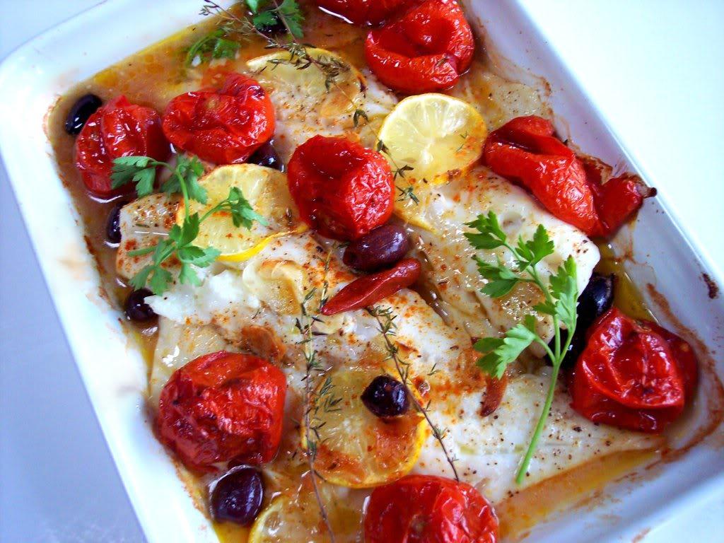 File de cod cu rosii cherry la cuptor