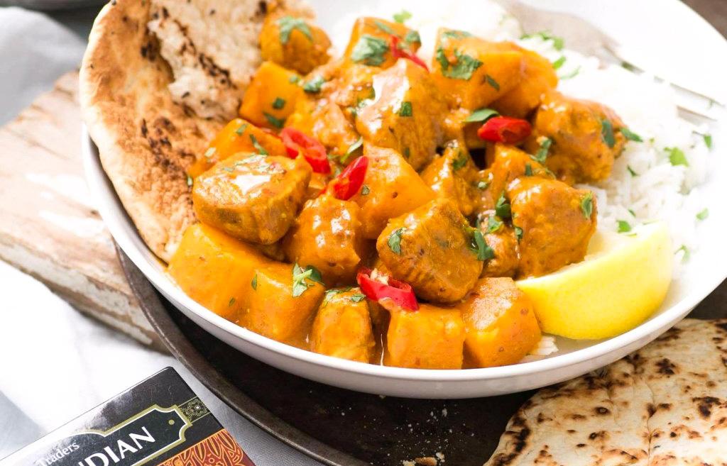 Mancare indiana pui cu curry
