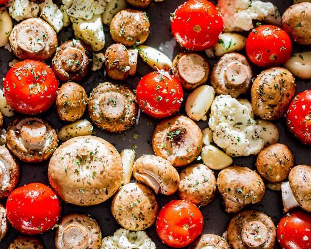 Salata de rosii si ciuperci crude