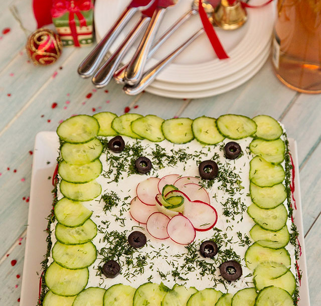 Tort-aperitiv- cu ton