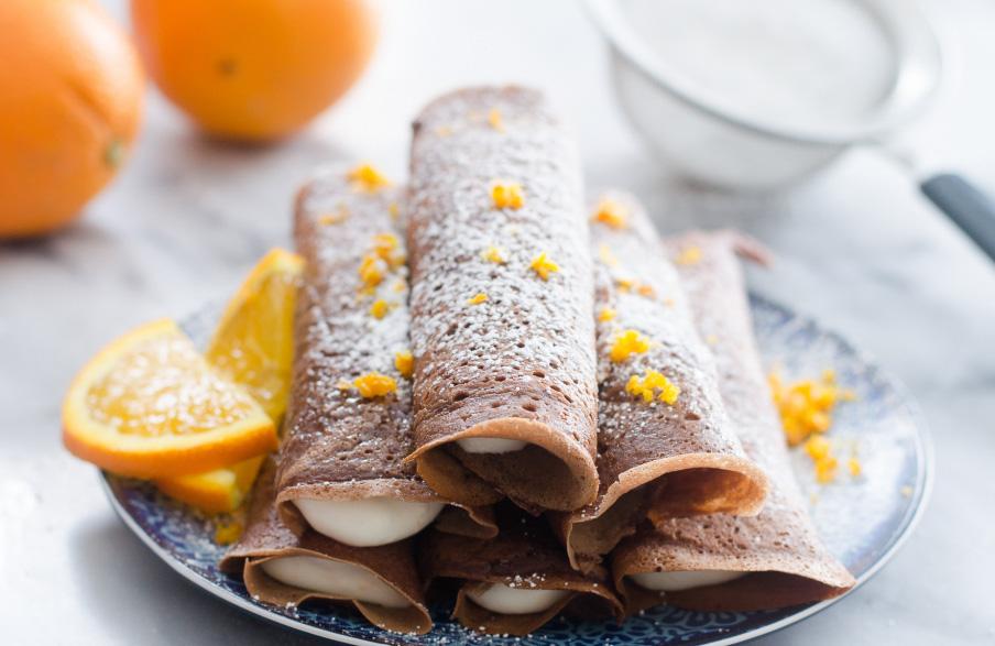 clatite cu ciocolata umplute cu crema de portocala