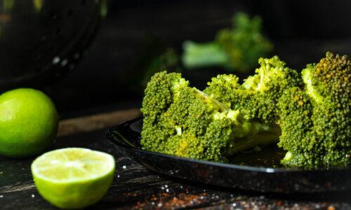 broccoli cu lamaie